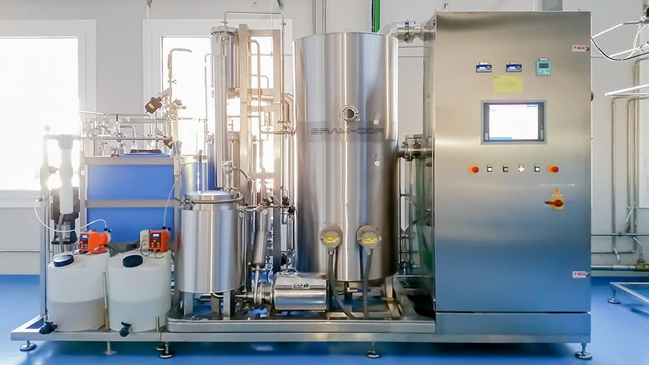 STMC Vapor Compression Distiller combined with pretreatment system